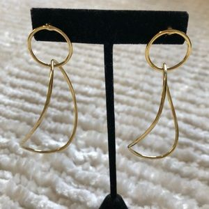 Jewelry - Gold filled dangle earrings